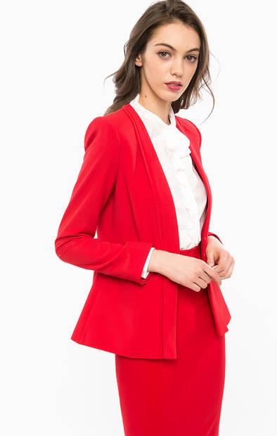 Красный пиджак с застежкой на крючки